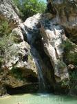 После осмотра деревни поехали дальше в горы к небольшому водопаду