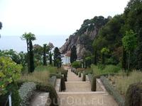 Бланес, ботанический сад Маримурта... уходить оттуда не хотелось..