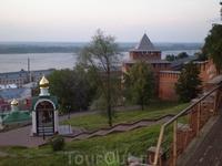 Колокол церкви Рождества Иоанна Предтечи и Ивановская башня
