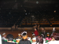 Этот вечер был самым потрясным =) Нас кормили и поили как королей =) Танцы были красочными а турнир захватывающим =)