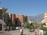 Это и есть отель: красно-зеленая Сонас Альпина