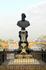 Памятник Бенвенуто Челлини на Золотом мосту.