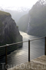 """Гейрангер-фьорд с вытоты смотровой площадки """"Орлиное гнездо"""" вода будто кипит..."""