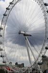 """"""" Око Лондона"""" колесо обозрения на южном берегу Темзы, в честь начала нового тысячелетия."""