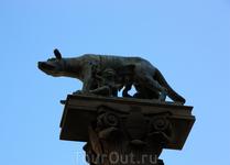 Легенда гласит, что Сиена основана сыновьями Рема – Аскием и Сением. В городе находится большое количество статуй волчицы, выкормившей Рема и Ромула.. ...