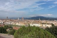Вид на город с площади Микеланджело.