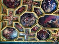 Роспись потолка в церкви Богородицы на рифе.