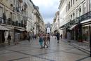 Главная пешеходная улица Лиссабона-Аугушта...Мозаичная мостовая,оч.много кафе..