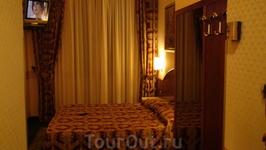 Шикарный отель 4 зв. Начали торговаться со 150 евро за ночь (надо было переночевать 1 ночь втроём 2а+1с ), остановились на 85 плюс завтрак для троих. Номер ...