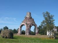 В 1896 году  в селе Шелдомежь на территории шестаковской женской обители был заложен храм во имя Живоначальной Пресвятой Троицы с приделами для иконы Шестаковской ...