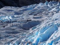 Возраст этого ледника около 2.5 миллионов лет – целая вечность для человека! Поэтому этот ледник иногда еще называют «Тающая вечность».Ледник начал активно расти в 1740 годах вплоть до 30-х годов 20 в