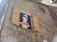 За стенами старинной крепости живут самые обычные сказочные персонажи :)