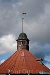 1795 - это не дата постройки башни. Дату нанесли в честь приезда Александра Васильевича Суворова, именно в 1795 году он посетил крепость с инспекцией.