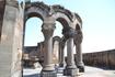В 10 километрах к западу от Еревана, на трассе, ведущей из Еревана в Эчмиадзин (Вагаршапат) стоят руины храма Звартноц, представляющего собой превосходный ...