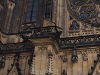 Собор  Св.Вита строился  на протяжении 6 веков. Только в 1929 году работы по строительству собора были закончены.