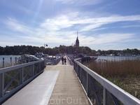 А это взгляд назад: в сторону Наантали и летней резиденции президента Финляндии. Но о резиденции чуть позже.