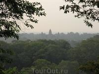Восход на Phnom Bakheng