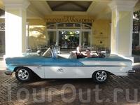 Вот такие в основном машины на Кубе, очень много жигулей, чаек и т.п. моделей)