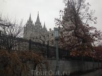 Самая главная достопримечательность Мормонов в мире и главная же, после Олимпийских объектов, Юты. Церковь Salt Lake.  В Солт-Лейк-Сити расположены главные ...