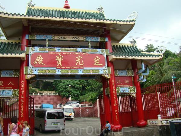 Себу. Храм