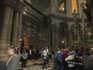 Храм Гроба Господня наполнен паломниками со всех концов света