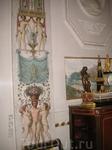 Во дворце. В отделке стен участвовала Мария Федоровна