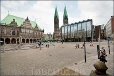 Старый город, центром которого является рыночная площадь (Марктплац, Marktplatz) с Ратушей, построенной в 15 веке в готическом стиле. В центре площади ...