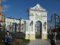 Территория Кремля. Здание Президентского дворца