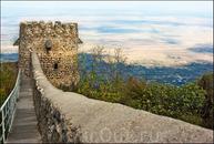 Что такое Сигнаги? Представьте себе огромную гору, одиноко стоящую в центре огромной долины. На горе – город крепость, откуда открывается изумительный ...