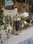 Экспонаты: Самовар, кофейник,заварочный чайник.