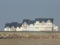 домики на берегу Анлантического океана в Довиле, Трувиле