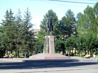 Памятник Павлу Дерунову (почти четверть века был директором Рыбинского моторостроительного завода).