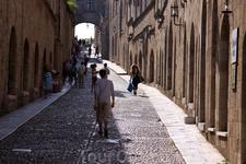 о. Родос. Аллея рыцарей. Главная улица средневекового города. Ведёт к Дворцу Великого  Магистра