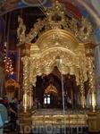 Суздальский Кремль. Собор Рождества Богородицы. Внутри собор не менее величествен, чем снаружи. В 1930-х гг. богослужения в соборе прекратились, и начались ...