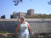 У крепостной стены