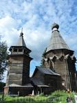Церковь была построена в 1696 году. Такая архитектура храма называется шатровой, и позже она была запрещена в России, так как считалась языческой