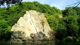 Скала &quotПетушок&quot, Горячий Ключ Один из наиболее известных памятников природы Кавказа. Скалу когда-то называли &quotСкала Спасения&quot. Расположена на западном склоне Абадзехской горы, на реке