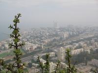 В Хайфу приехали рано. Она еще в Тумане.