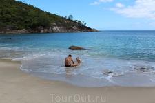 В тот день мы были на пляже единственными отдыхающими и он был полностью в нашем распоряжении