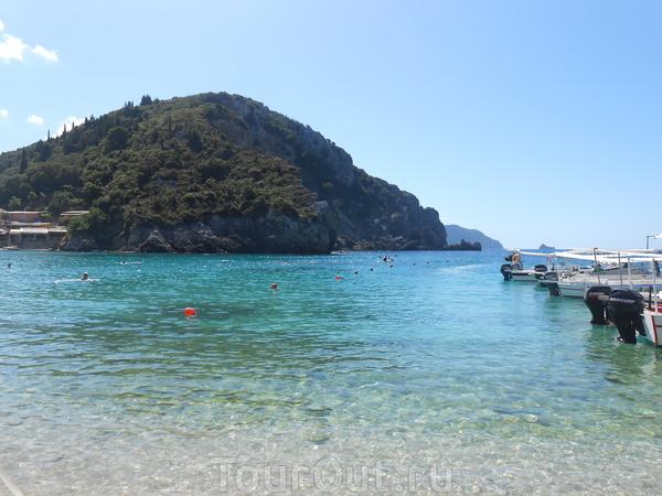Палеокастрица, курорт, расположенный на западной стороне острова. По сути Палеокастрица – это живописный мыс: с высокими утесами, омываемый Адриатическим морем и покрытый кипарисами.