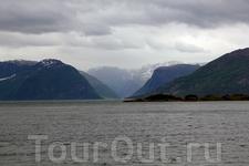 великолепные виды фьордов отлично дополняются музыкой Эдварда Грига или Энигмы