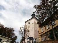 Башня Лотршчак. В полдень на верхнем этаже стреляет пушка
