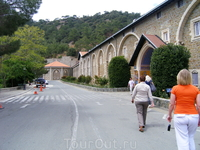 владения монастыря Кикос