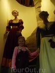 Таллинский городской музей. В экспозиции представлена коллекция мебели, более 2000 костюмов городских граждан, богатое собрание графики.