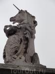 Единорог на ограде Букингемского дворца