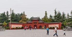 Храм Белой Лошади – первый буддийский храм в Китае.