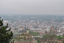 К сожалению туман все испортил. Вид города мутноват.