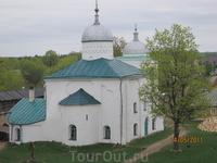 Никольский собор Никольский собор впервые упоминается под 1342 годом. В летописи под этим годом упоминается  «дом святого Николы». А о каменном соборе ...