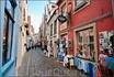 Этот квартал застроен маленькими фахверковыми домиками XV-XVI веков, разделенными узкими кривыми переулками.