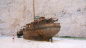 затонувший контрабандистский корабль перевозивший сигареты из Италии  вот уже более 50 лет находится в бухте Навагио